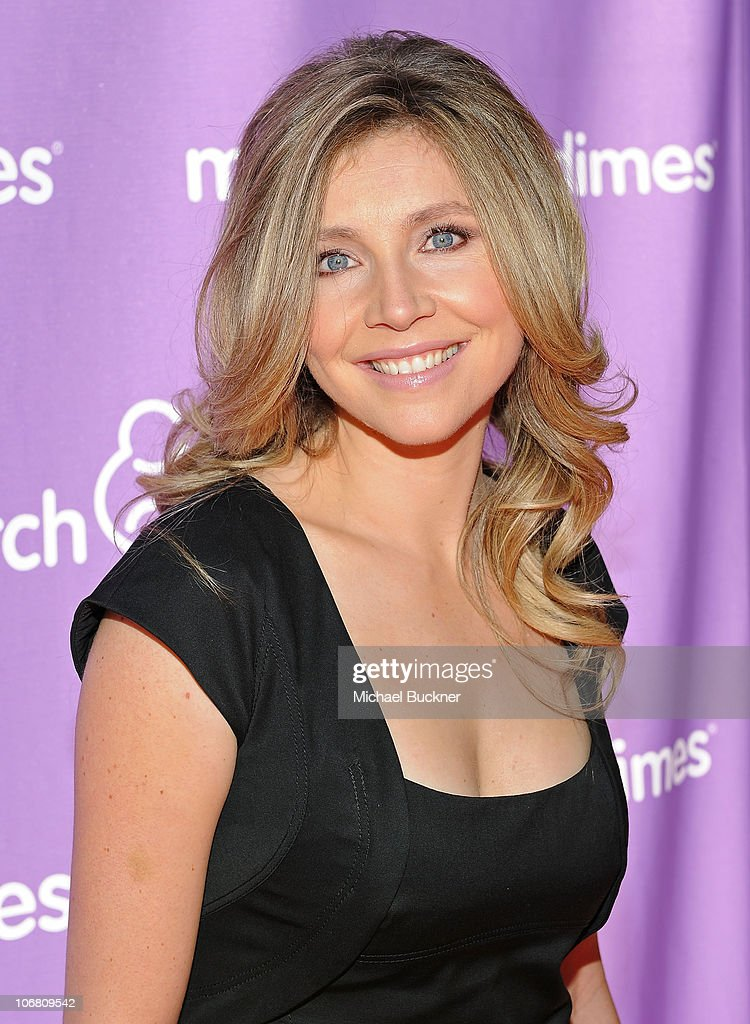 Actress Sarah Chalke attends the March of Dimes Foundation Samantha Harris Host 5th Annual Celebration of Babies Luncheon held at the Four Season...
