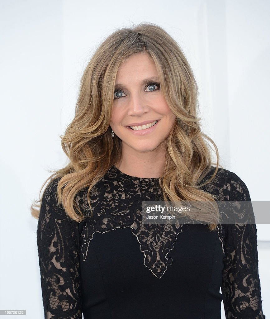 Actress <a gi-track='captionPersonalityLinkClicked' href=/galleries/search?phrase=Sarah+Chalke&family=editorial&specificpeople=213213 ng-click='$event.stopPropagation()'>Sarah Chalke</a> attends the premiere of Paramount Pictures' 'Star Trek Into Darkness' at Dolby Theatre on May 14, 2013 in Hollywood, California.