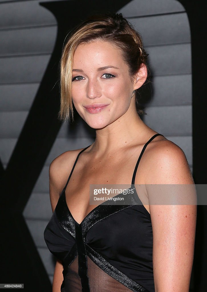 Actress <a gi-track='captionPersonalityLinkClicked' href=/galleries/search?phrase=Sarah+Dumont&family=editorial&specificpeople=11354299 ng-click='$event.stopPropagation()'>Sarah Dumont</a> attends the Maxim Hot 100 event at the Pacific Design Center on June 10, 2014 in West Hollywood, California.