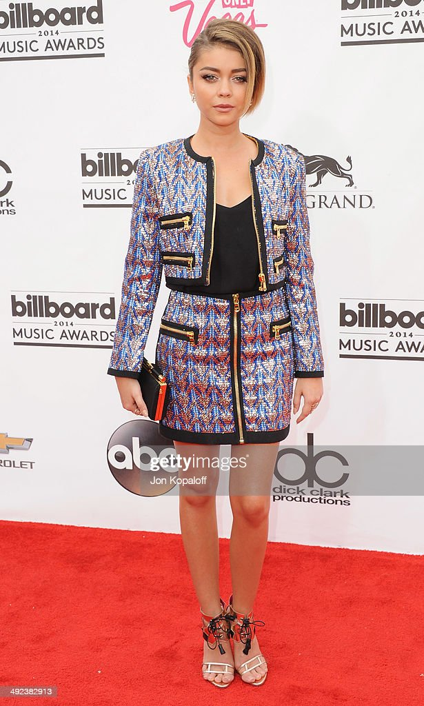 Actress <a gi-track='captionPersonalityLinkClicked' href=/galleries/search?phrase=Sarah+Hyland&family=editorial&specificpeople=3989646 ng-click='$event.stopPropagation()'>Sarah Hyland</a> arrives at the 2014 Billboard Music Awards at the MGM Grand Hotel and Casino on May 18, 2014 in Las Vegas, Nevada.