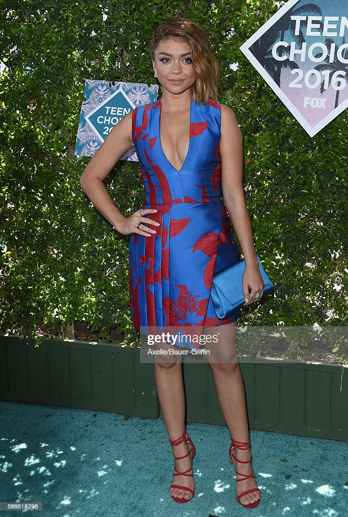 Actress Sarah Hyland arrives at the Teen Choice Awards 2016 at The Forum on July 31 2016 in Inglewood California