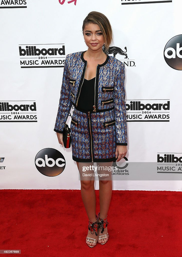 Actress <a gi-track='captionPersonalityLinkClicked' href=/galleries/search?phrase=Sarah+Hyland&family=editorial&specificpeople=3989646 ng-click='$event.stopPropagation()'>Sarah Hyland</a> attends the 2014 Billboard Music Awards at the MGM Grand Garden Arena on May 18, 2014 in Las Vegas, Nevada.