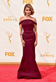 Actress Sarah Hyland attends the 67th Emmy Awards at Microsoft Theater on September 20 2015 in Los Angeles California 25720_001