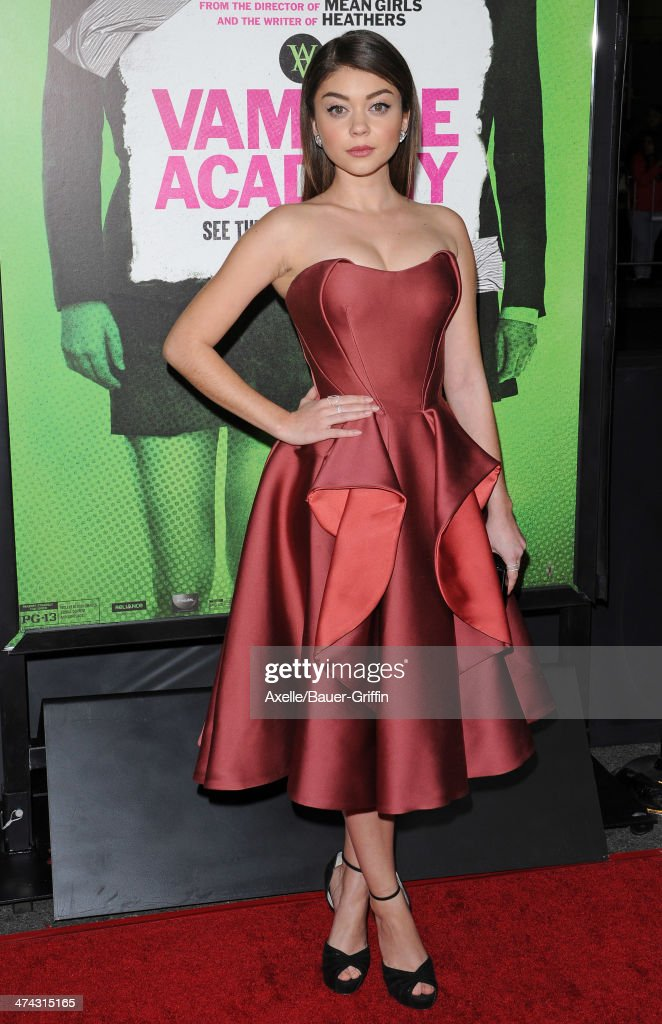 Actress <a gi-track='captionPersonalityLinkClicked' href=/galleries/search?phrase=Sarah+Hyland&family=editorial&specificpeople=3989646 ng-click='$event.stopPropagation()'>Sarah Hyland</a> attends the premiere of 'Vampire Academy' at Regal Cinemas L.A. Live on February 4, 2014 in Los Angeles, California.