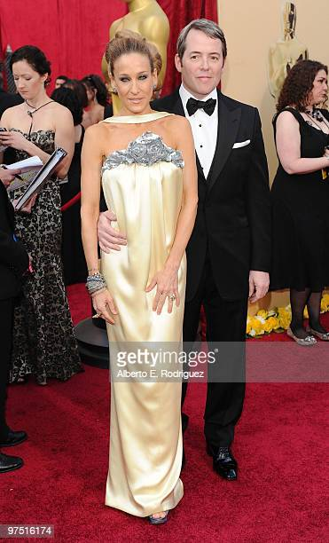 Actress Sarah Jessica Parker and husband actor Matthew Broderick arrive at the 82nd Annual Academy Awards held at Kodak Theatre on March 7 2010 in...
