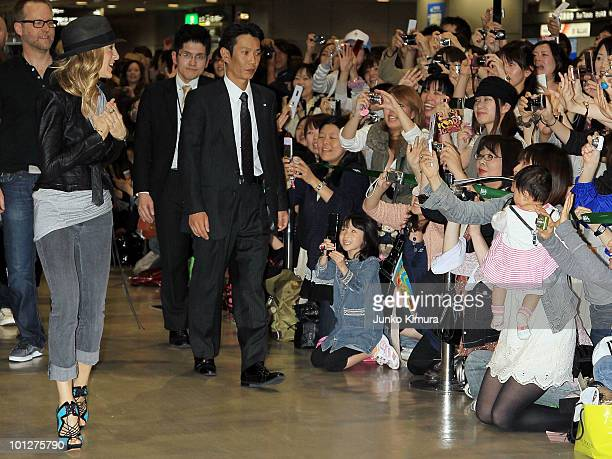 Actress Sarah Jessica Parker arrives at Narita Airport on May 30 2010 in Narita Japan