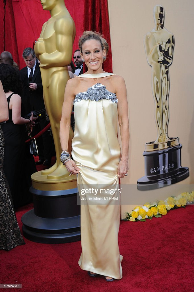 Actress Sarah Jessica Parker arrives at the 82nd Annual Academy Awards held at Kodak Theatre on March 7 2010 in Hollywood California