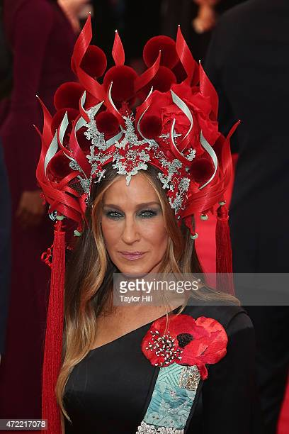 Actress Sarah Jessica Parker attends 'China Through the Looking Glass' the 2015 Costume Institute Gala at Metropolitan Museum of Art on May 4 2015 in...