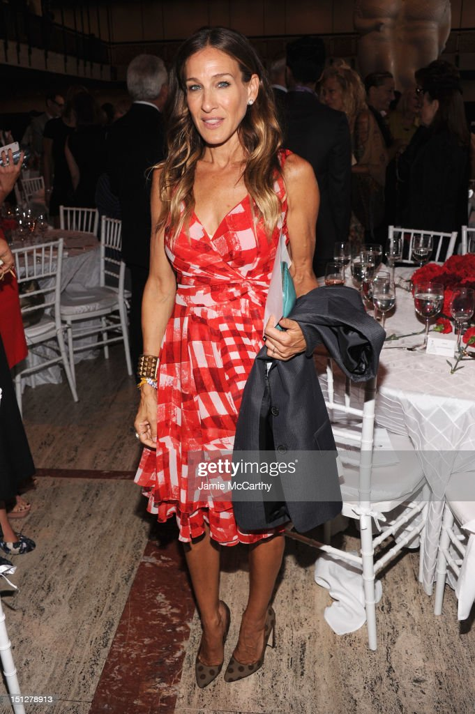 Actress <a gi-track='captionPersonalityLinkClicked' href=/galleries/search?phrase=Sarah+Jessica+Parker&family=editorial&specificpeople=201693 ng-click='$event.stopPropagation()'>Sarah Jessica Parker</a> attends the 2012 Couture Council for the Museum at FIT Award for Artistry of Fashion to Oscar de la Renta at the David H. Koch Theater at Lincoln Center on September 5, 2012 in New York City.