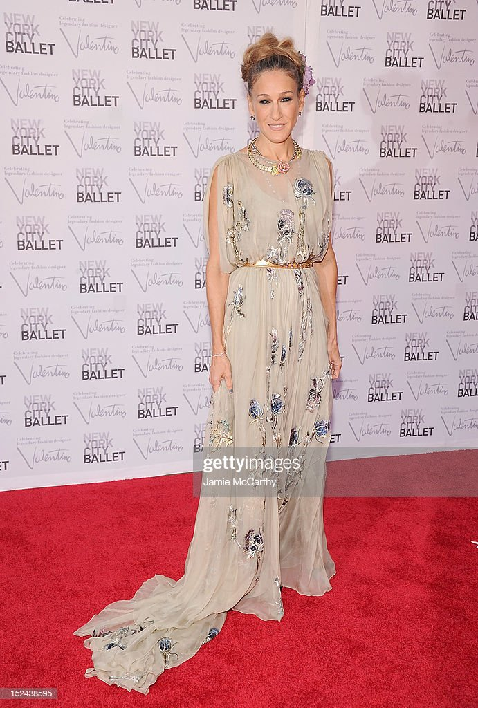 Actress <a gi-track='captionPersonalityLinkClicked' href=/galleries/search?phrase=Sarah+Jessica+Parker&family=editorial&specificpeople=201693 ng-click='$event.stopPropagation()'>Sarah Jessica Parker</a> attends the 2012 New York City Ballet Fall Gala at the David H. Koch Theater, Lincoln Center on September 20, 2012 in New York City.