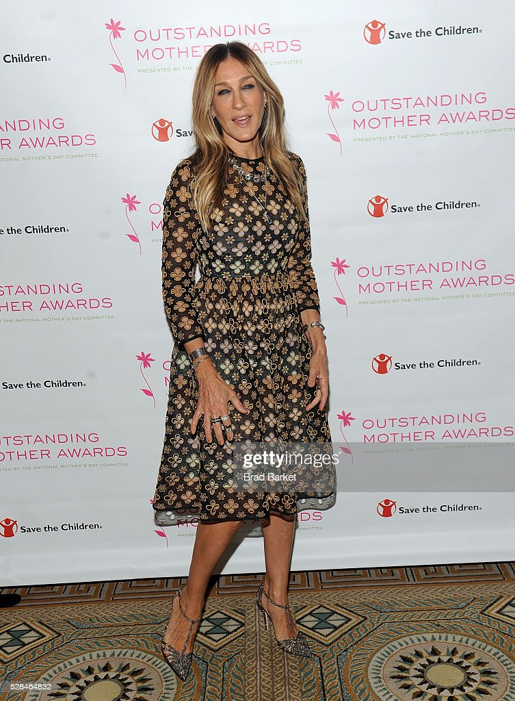 Actress <a gi-track='captionPersonalityLinkClicked' href=/galleries/search?phrase=Sarah+Jessica+Parker&family=editorial&specificpeople=201693 ng-click='$event.stopPropagation()'>Sarah Jessica Parker</a> attends the 2016 Outstanding Mother Awards at The Pierre Hotel on May 5, 2016 in New York City.