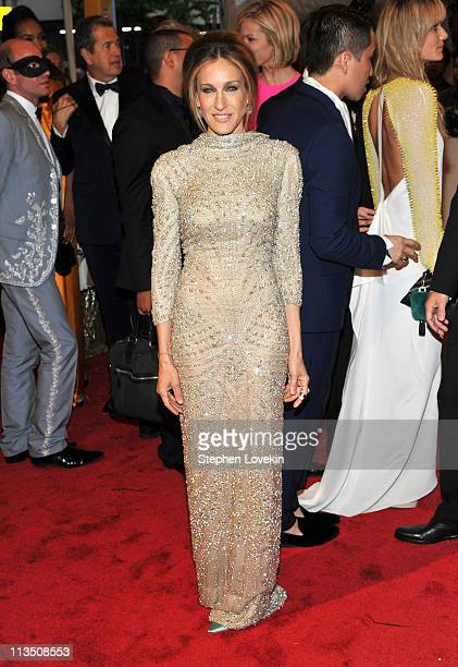 Actress Sarah Jessica Parker attends the 'Alexander McQueen Savage Beauty' Costume Institute Gala at The Metropolitan Museum of Art on May 2 2011 in...