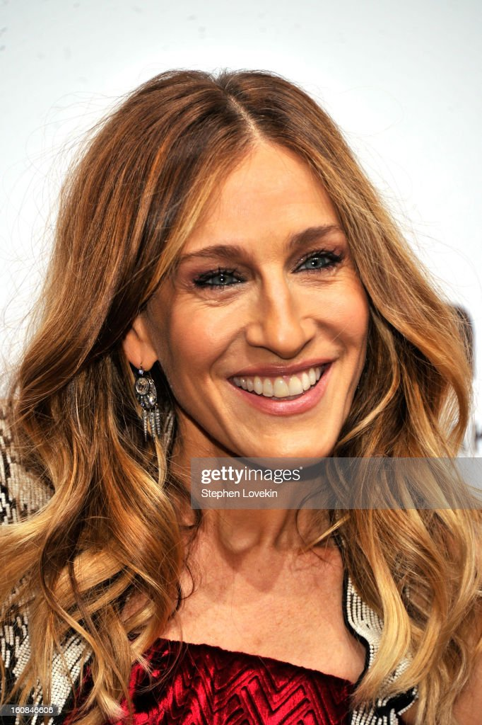Actress <a gi-track='captionPersonalityLinkClicked' href=/galleries/search?phrase=Sarah+Jessica+Parker&family=editorial&specificpeople=201693 ng-click='$event.stopPropagation()'>Sarah Jessica Parker</a> attends the amfAR New York Gala to kick off Fall 2013 Fashion Week at Cipriani Wall Street on February 6, 2013 in New York City.