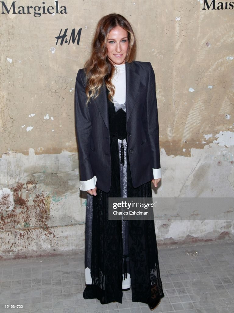 Actress <a gi-track='captionPersonalityLinkClicked' href=/galleries/search?phrase=Sarah+Jessica+Parker&family=editorial&specificpeople=201693 ng-click='$event.stopPropagation()'>Sarah Jessica Parker</a> attends the Maison Martin Margiela & H&M Global launch party at 5 Beekman on October 23, 2012 in New York City.