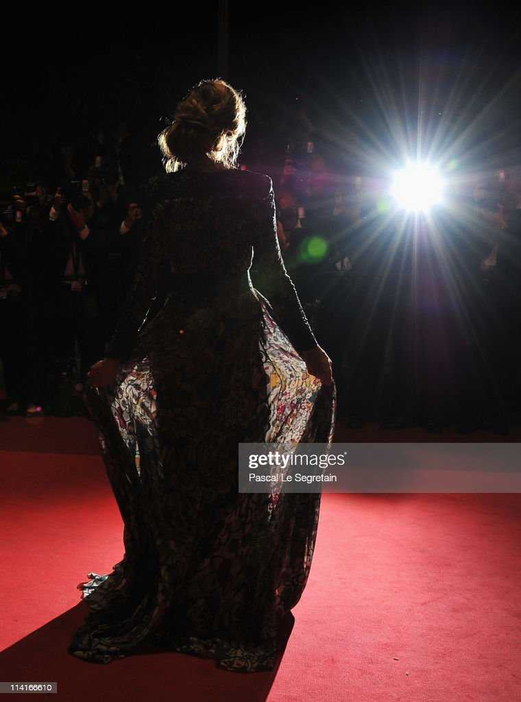 Actress <a gi-track='captionPersonalityLinkClicked' href=/galleries/search?phrase=Sarah+Jessica+Parker&family=editorial&specificpeople=201693 ng-click='$event.stopPropagation()'>Sarah Jessica Parker</a> attends the 'Wu Xia' premiere at the Palais des Festivals during the 64th Cannes Film Festival on May 13, 2011 in Cannes, France.