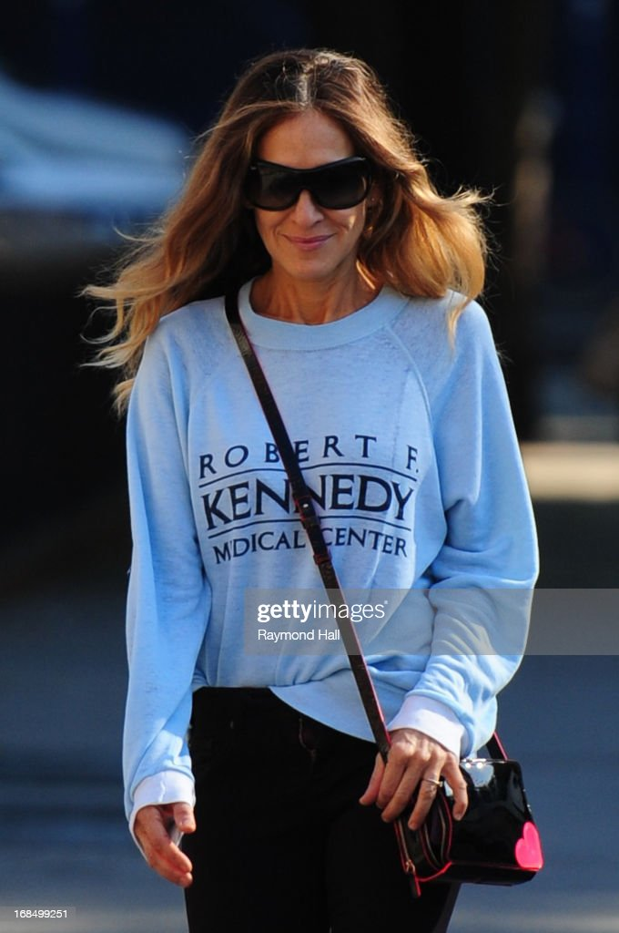 Actress <a gi-track='captionPersonalityLinkClicked' href=/galleries/search?phrase=Sarah+Jessica+Parker&family=editorial&specificpeople=201693 ng-click='$event.stopPropagation()'>Sarah Jessica Parker</a> is seen in the West Village on May 10, 2013 in New York City.