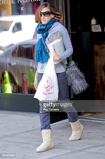 Actress Sarah Jessica Parker leaves the Serge Normant at John Frieda Salon on December 14 2009 in New York City
