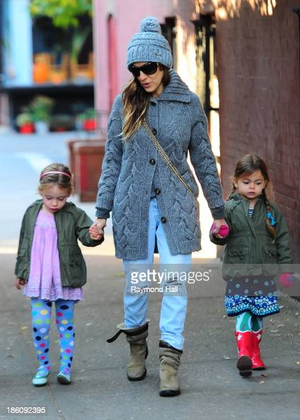 Actress Sarah Jessica Parker Marion Loretta Elwell Broderick and Tabitha Hodge Broderick are seen in the West Village on October 28 2013 in New York...