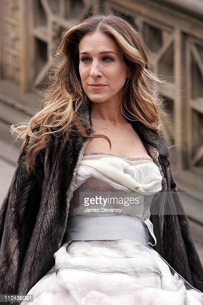 Actress Sarah Jessica Parker on location for a Vogue 'Sex and the City' photo shoot in Central Park on March 7 2008 in New York City