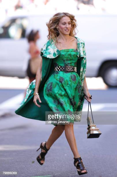 Actress Sarah Jessica Parker on location for 'Sex and the City The Movie' September 19 2007 in New York City