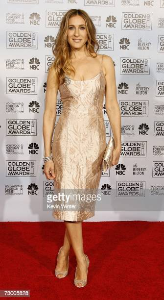Actress Sarah Jessica Parker poses backstage during the 64th Annual Golden Globe Awards at the Beverly Hilton on January 15 2007 in Beverly Hills...