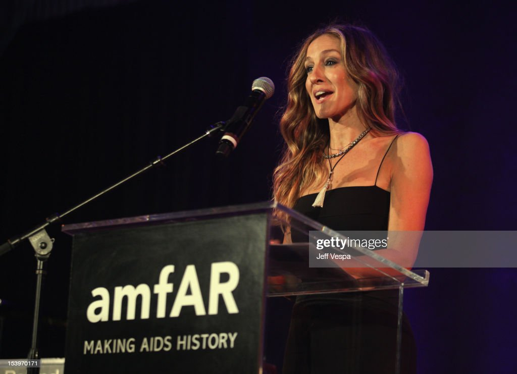 Actress <a gi-track='captionPersonalityLinkClicked' href=/galleries/search?phrase=Sarah+Jessica+Parker&family=editorial&specificpeople=201693 ng-click='$event.stopPropagation()'>Sarah Jessica Parker</a> speaks onstage at amfAR's Inspiration Gala at Milk Studios on October 11, 2012 in Los Angeles, California.