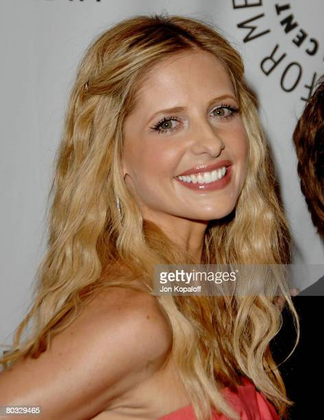 Actress Sarah Michelle Gellar arrives at the 'Buffy Reunion' presented by the 25th Annual William S Paley Television Festival on March 20 2008 in Los...