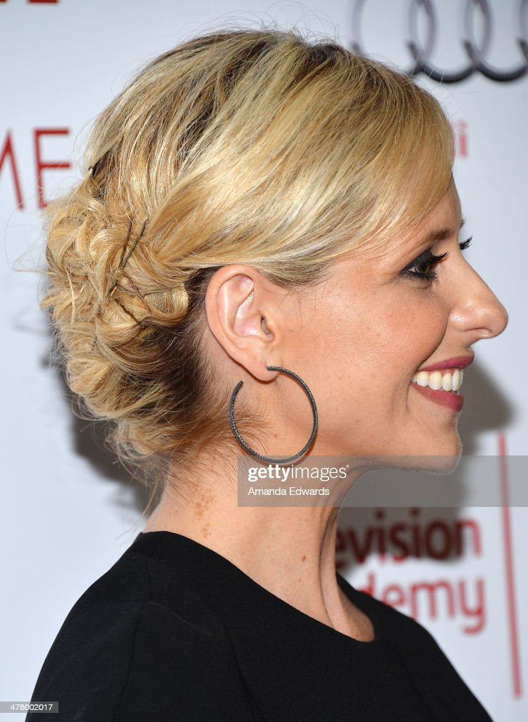 Actress Sarah Michelle Gellar arrives at the The Television Academy's 23rd Hall Of Fame Induction Gala at The Regent Beverly Wilshire Hotel on March 11, 2014 in Beverly Hills, California.