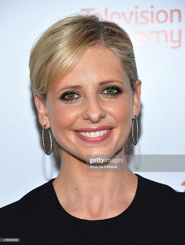 Actress <a gi-track='captionPersonalityLinkClicked' href=/galleries/search?phrase=Sarah+Michelle+Gellar&family=editorial&specificpeople=201781 ng-click='$event.stopPropagation()'>Sarah Michelle Gellar</a> arrives at the The Television Academy's 23rd Hall Of Fame Induction Gala at The Regent Beverly Wilshire Hotel on March 11, 2014 in Beverly Hills, California.