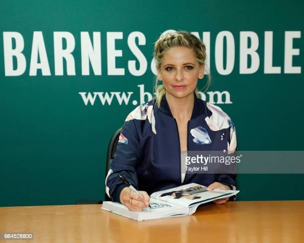 Actress Sarah Michelle Gellar attends a 'Fun with Food' book signing at Barnes Noble 5th Avenue on April 4 2017 in New York City