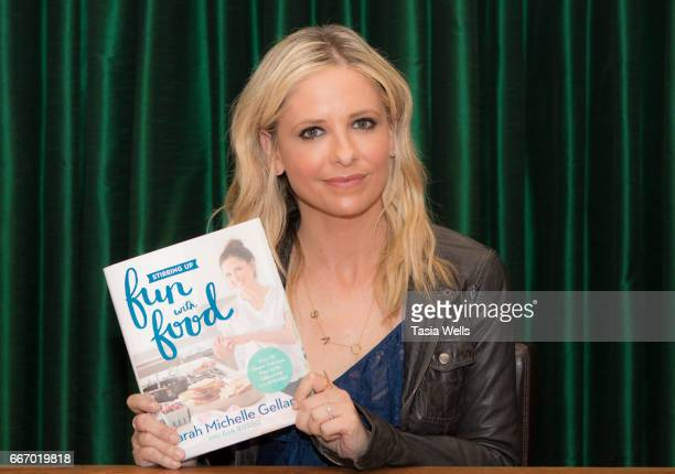 Actress Sarah Michelle Gellar attends her book signing for 'Stirring up Fun with Food Over 115 Simple Delicious Ways to be Creative in the Kitchen'...