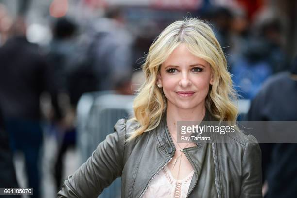 Actress Sarah Michelle Gellar leaves the 'Good Morning America' taping at the ABC Times Square Studios on April 03 2017 in New York City