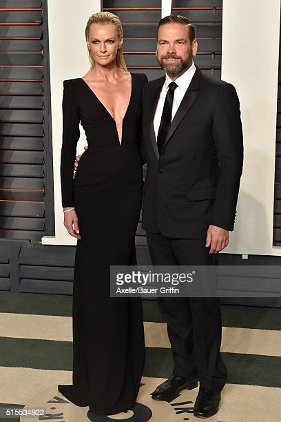 Actress Sarah Murdoch and busnissman Lachlan Murdoch arrive at the 2016 Vanity Fair Oscar Party Hosted By Graydon Carter at Wallis Annenberg Center...
