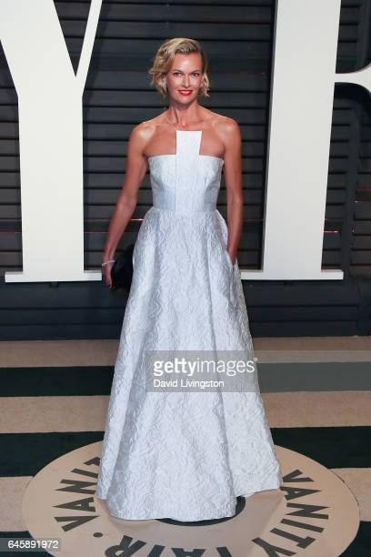 Actress Sarah Murdoch attends the 2017 Vanity Fair Oscar Party hosted by Graydon Carter at the Wallis Annenberg Center for the Performing Arts on...