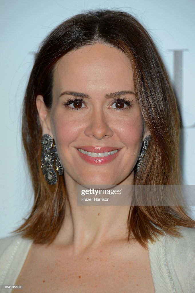 Actress <a gi-track='captionPersonalityLinkClicked' href=/galleries/search?phrase=Sarah+Paulson&family=editorial&specificpeople=220657 ng-click='$event.stopPropagation()'>Sarah Paulson</a> arrives at ELLE's 19th Annual Women In Hollywood Celebration at the Four Seasons Hotel on October 15, 2012 in Beverly Hills, California.
