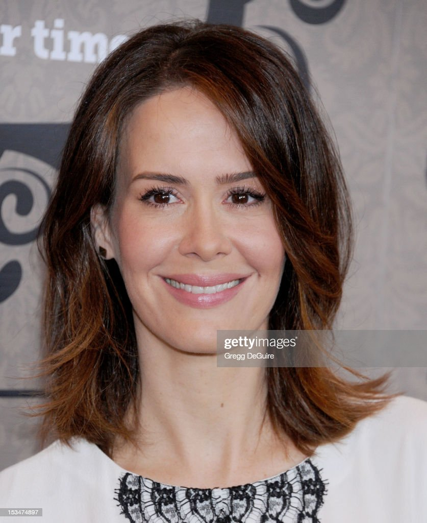 Actress <a gi-track='captionPersonalityLinkClicked' href=/galleries/search?phrase=Sarah+Paulson&family=editorial&specificpeople=220657 ng-click='$event.stopPropagation()'>Sarah Paulson</a> arrives at Variety's 4th Annual Power Of Women event at the Beverly Wilshire Four Seasons Hotel on October 5, 2012 in Beverly Hills, California.