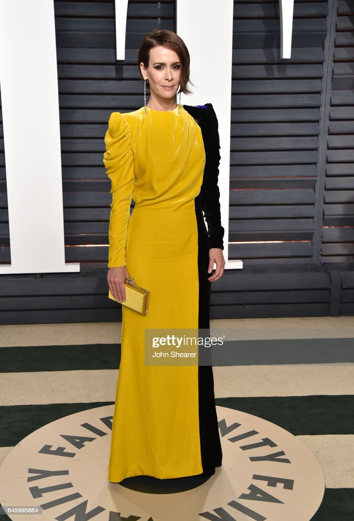 Actress Sarah Paulson attends the 2017 Vanity Fair Oscar Party hosted by Graydon Carter at Wallis Annenberg Center for the Performing Arts on February 26, 2017 in Beverly Hills, California.