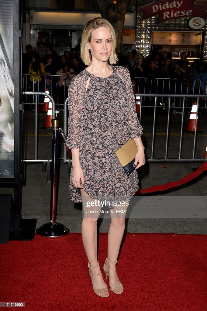 Actress <a gi-track='captionPersonalityLinkClicked' href=/galleries/search?phrase=Sarah+Paulson&family=editorial&specificpeople=220657 ng-click='$event.stopPropagation()'>Sarah Paulson</a> attends the premiere of Universal Pictures and Studiocanal's 'Non-Stop' at Regency Village Theatre on February 24, 2014 in Westwood, California.