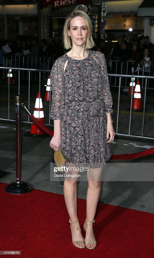 Actress <a gi-track='captionPersonalityLinkClicked' href=/galleries/search?phrase=Sarah+Paulson&family=editorial&specificpeople=220657 ng-click='$event.stopPropagation()'>Sarah Paulson</a> attends the premiere of Universal Pictures and Studiocanal's 'Non-Stop' at the Regency Village Theatre on February 24, 2014 in Westwood, California.