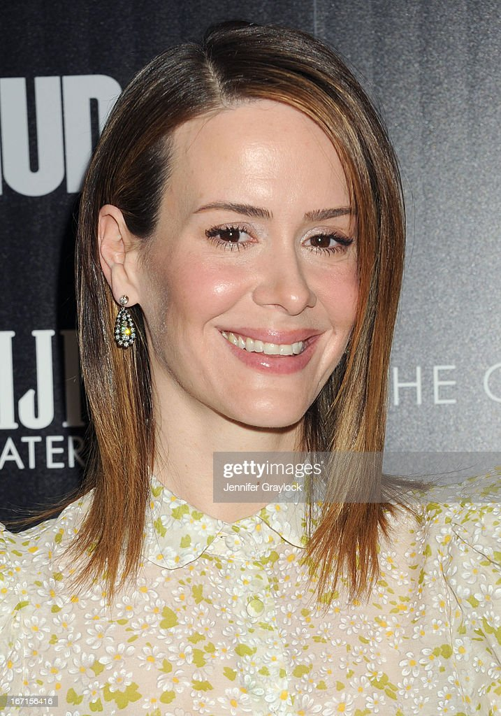 Actress <a gi-track='captionPersonalityLinkClicked' href=/galleries/search?phrase=Sarah+Paulson&family=editorial&specificpeople=220657 ng-click='$event.stopPropagation()'>Sarah Paulson</a> wearing Valentino Red, attends The Cinema Society Screening Of 'Mud' hosted by Fiji Water and Levis held at The Museum of Modern Art on April 21, 2013 in New York City.