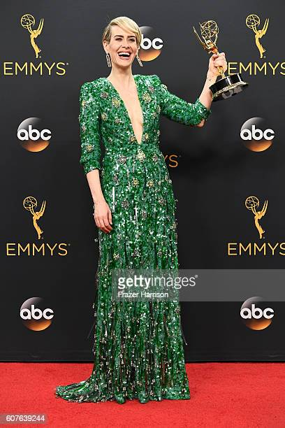 "Actress Sarah Paulson winner of Best Actress in a MiniSeries or Movie for ""The People v O J Simpson American Crime Story"" poses in the press room..."