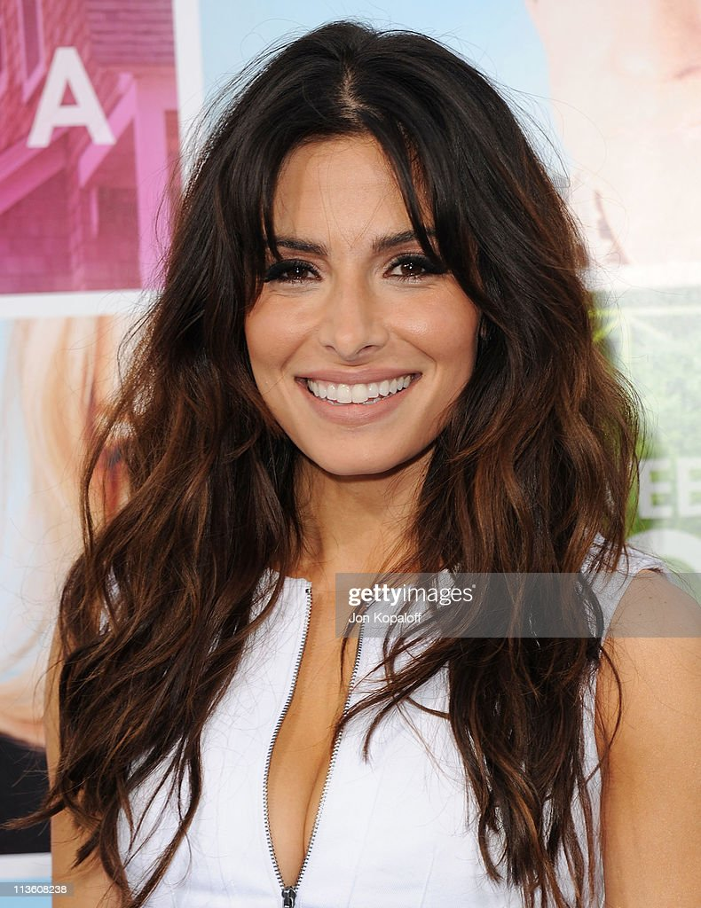 Actress Sarah Shahi arrives at the Los Angeles Premiere 'Something Borrowed' at Grauman's Chinese Theatre on May 3, 2011 in Hollywood, California.