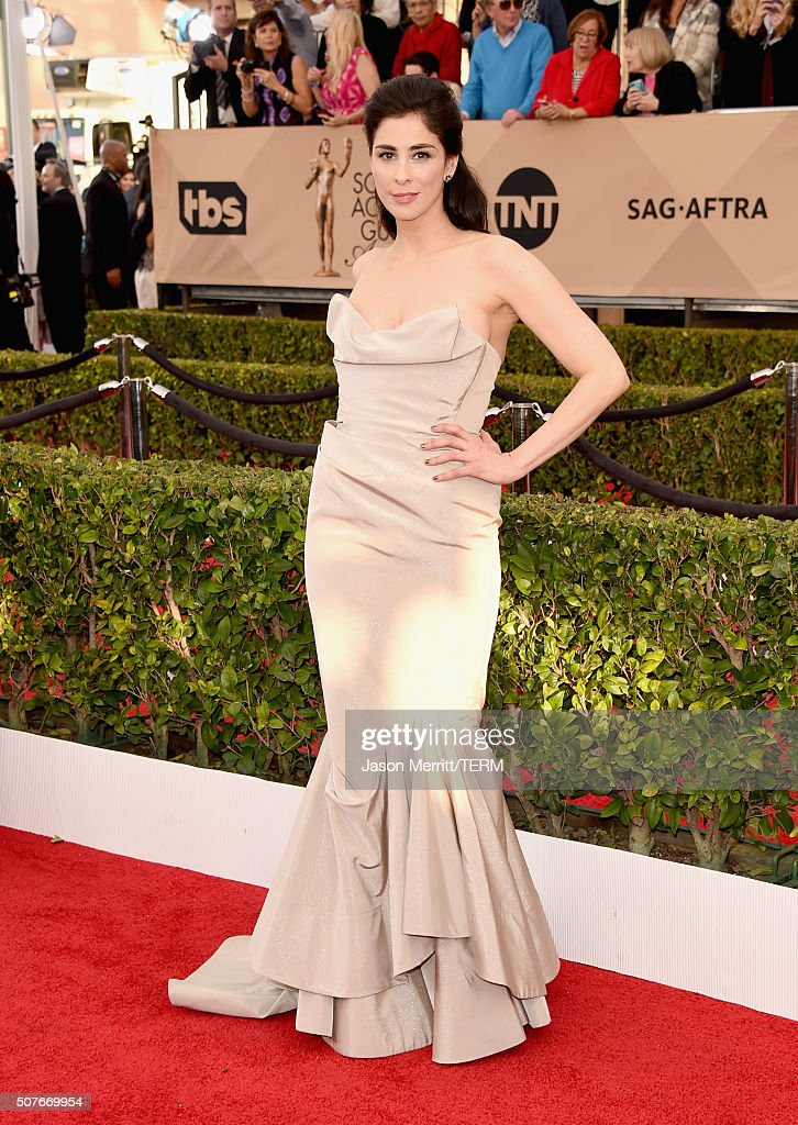 Actress Sarah Silverman attends The 22nd Annual Screen Actors Guild Awards at The Shrine Auditorium on January 30, 2016 in Los Angeles, California. 25650_015