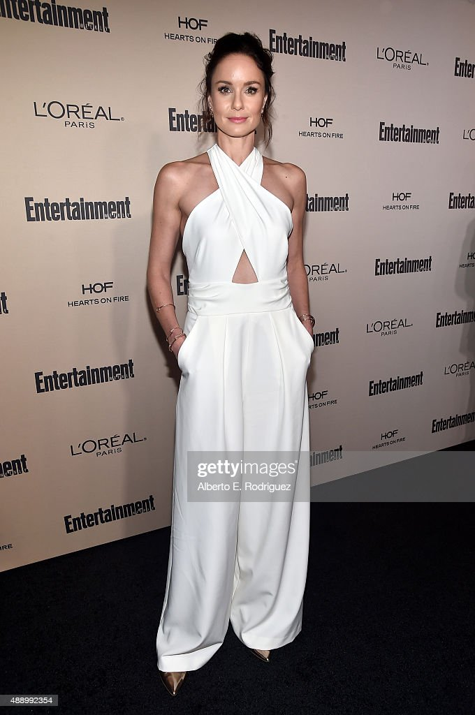 Actress <a gi-track='captionPersonalityLinkClicked' href=/galleries/search?phrase=Sarah+Wayne+Callies&family=editorial&specificpeople=607272 ng-click='$event.stopPropagation()'>Sarah Wayne Callies</a> attends the 2015 Entertainment Weekly Pre-Emmy Party at Fig & Olive Melrose Place on September 18, 2015 in West Hollywood, California.