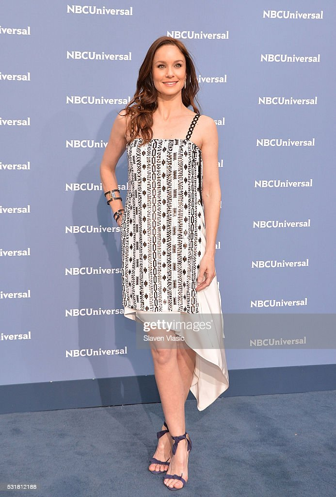 Actress <a gi-track='captionPersonalityLinkClicked' href=/galleries/search?phrase=Sarah+Wayne+Callies&family=editorial&specificpeople=607272 ng-click='$event.stopPropagation()'>Sarah Wayne Callies</a> attends the NBCUniversal 2016 Upfront Presentation on May 16, 2016 in New York, New York.