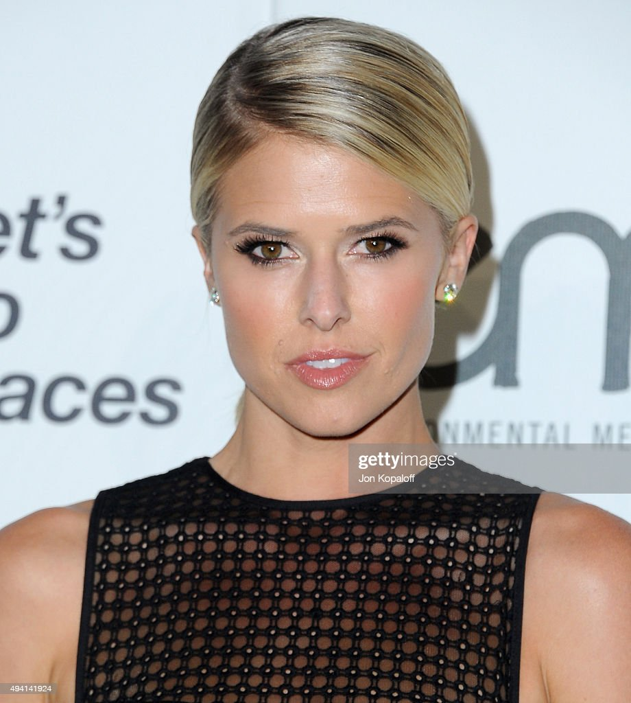 Actress Sarah Wright arrives at Environmental Media Association Hosts Its 25th Annual EMA Awards Presented By Toyota And Lexus at Warner Bros Studios...