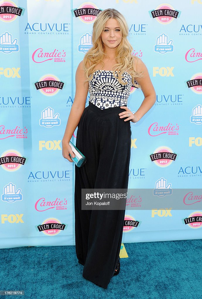 Actress <a gi-track='captionPersonalityLinkClicked' href=/galleries/search?phrase=Sasha+Pieterse&family=editorial&specificpeople=2237740 ng-click='$event.stopPropagation()'>Sasha Pieterse</a> arrives at the 2013 Teen Choice Awards at Gibson Amphitheatre on August 11, 2013 in Universal City, California.