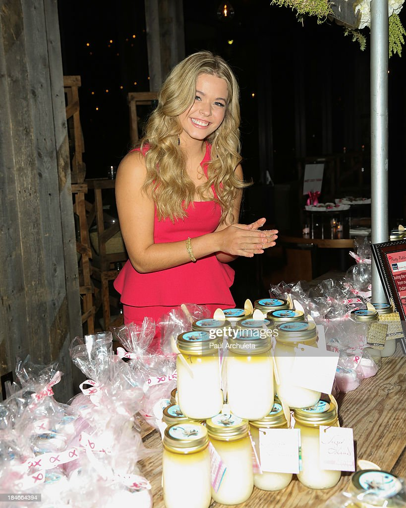 Actress <a gi-track='captionPersonalityLinkClicked' href=/galleries/search?phrase=Sasha+Pieterse&family=editorial&specificpeople=2237740 ng-click='$event.stopPropagation()'>Sasha Pieterse</a> attends the Pretty Pink Beauty Night at Tiato Restaurant on October 14, 2013 in Santa Monica, California.