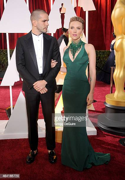 Actress Scarlett Johansson and husband Romain Dauriac arrive at the 87th Annual Academy Awards at Hollywood Highland Center on February 22 2015 in...