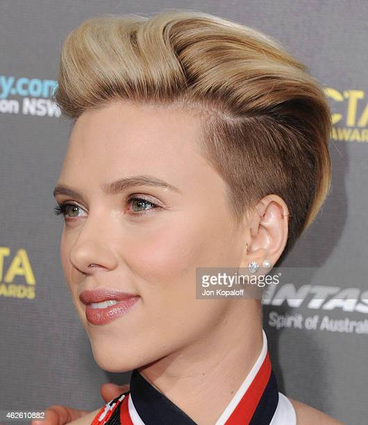 Actress Scarlett Johansson arrives at the 2015 G'Day USA Gala Featuring The AACTA International Awards Presented By Qantas at Hollywood Palladium on...